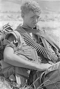 American_soldier_in_Vietnam
