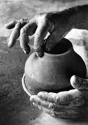 Potter Crafting Pot